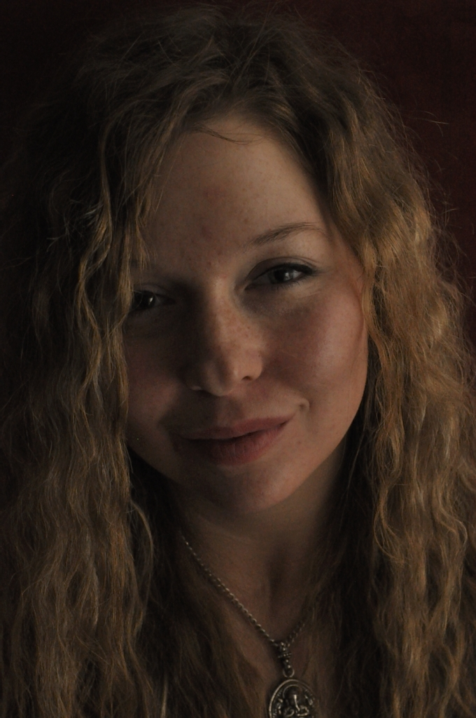 Face Girl Long curly blonde hair