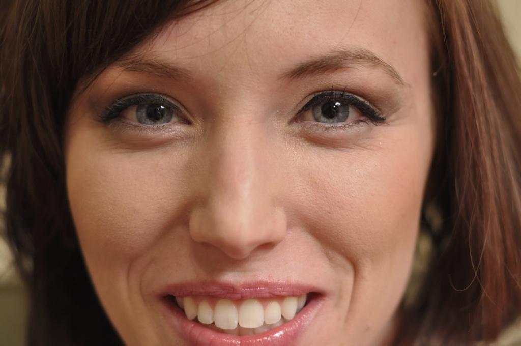 Face Model Girl Brown hair Bangs Smile Cute