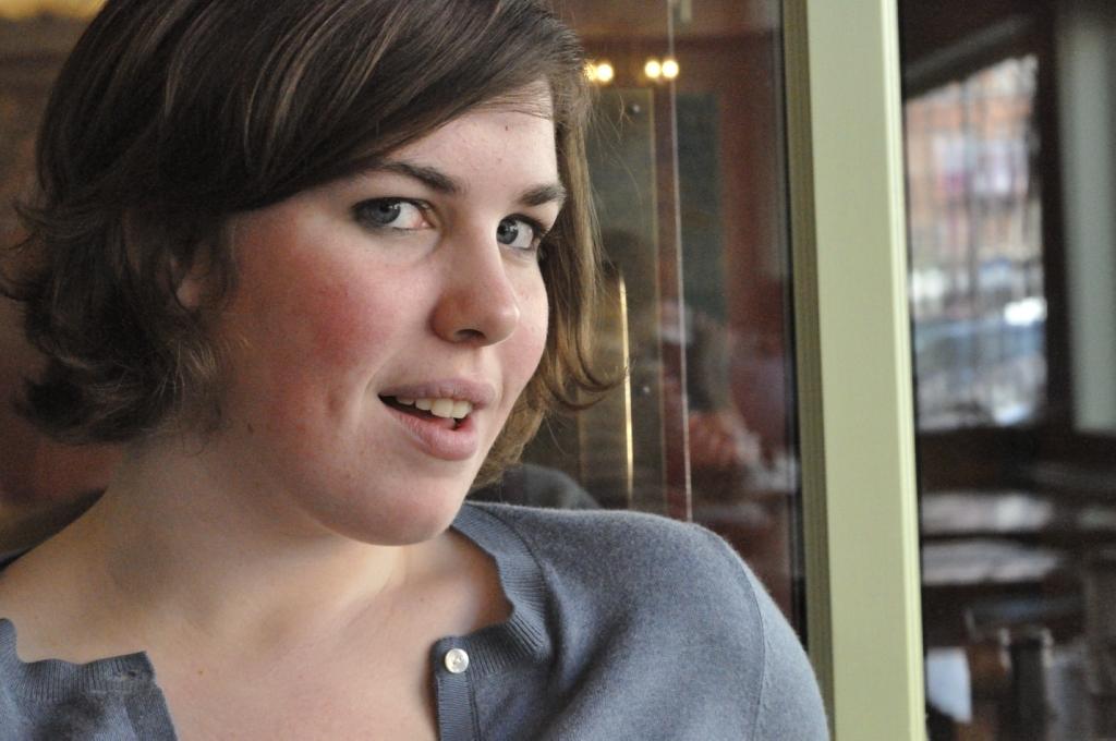 Girl Face Brown hair American Pretty Medium hairstyles