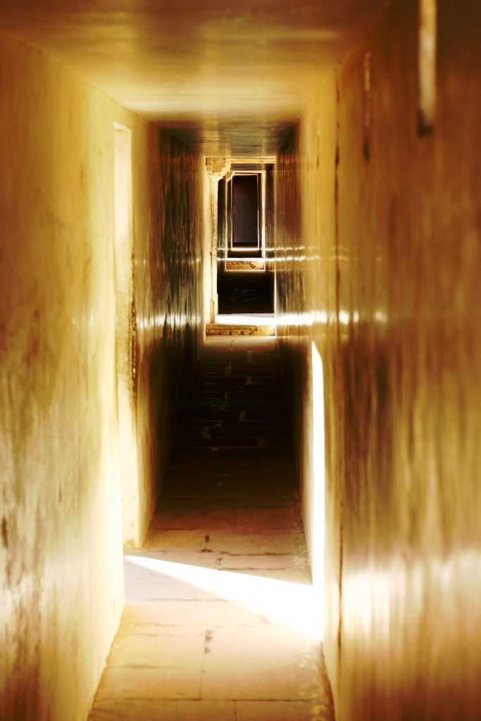 hallway-amber-fort-jaipur-india